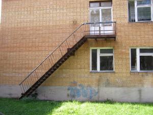 Испытание пожарных лестниц в центре систем безопасности